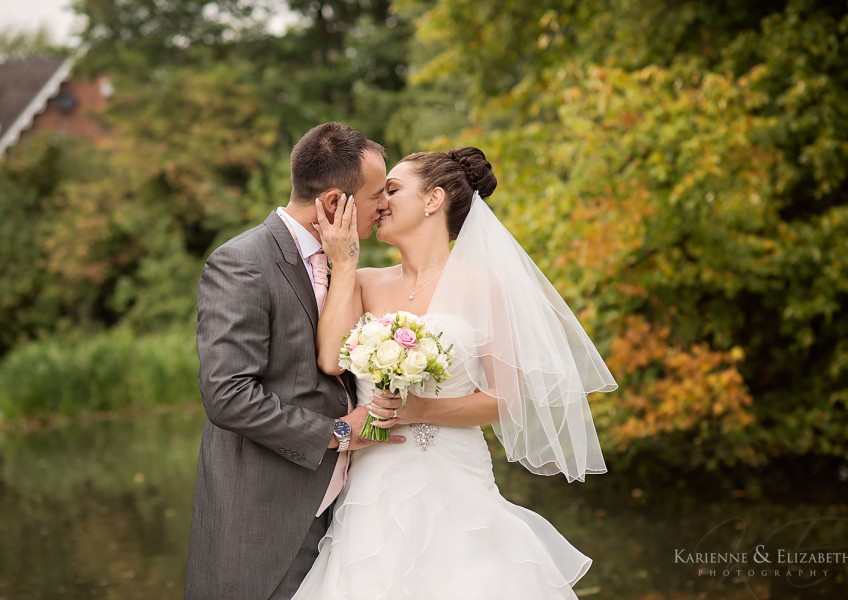 wedding_photography_acton_trussel_THE_moat_house_12